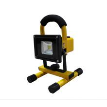 Luz de inundación LED recargable de 10W con 3 años de garantía