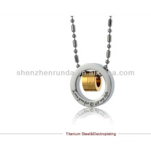 2014 mode en gros Collier pendentif en anneaux en acier Collier pendentif en acier titane en acier inoxydable