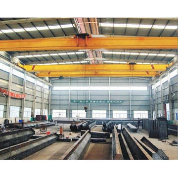 Double beam overhead crane with two hooks