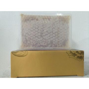 Roher Kastenpaket gekämmter Honig