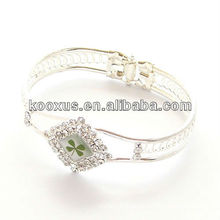 Diamond shaped four 4 leaf clover bracelet/bangle