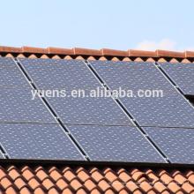 Estructura flexible del panel solar en la estructura de montaje PV del techo