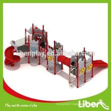 Équipement d'aire de jeux d'occasion avec des jeux d'aventure pour les écoles