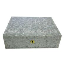 Mãe de pérola shell caixa de charuto branco