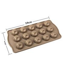 Silikonformen zum Dekorieren von Schokoladenkuchen
