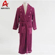 Damenkleid mit Schalkragen Plüschkorallen-Fleecebademantel mit Satinbindung und emb