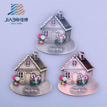 Casa dos desenhos animados em forma de crianças bonitos chaveiro pingente de metal charme fabricante personalizado