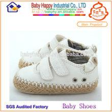 Großhandelsart und weise plain weiße Babyschuhe