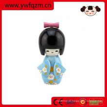 lembrança de bonecas de madeira japonesa