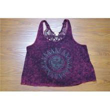 Las mujeres atractivas que visten la blusa Backless púrpura del cordón de las mujeres
