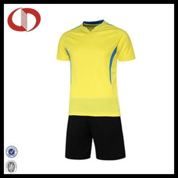 2016 New Design Fußball tragen Fußball Uniformen für Männer