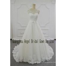 Em torno do pescoço marfim A linha Angel Birdal vestido de casamento