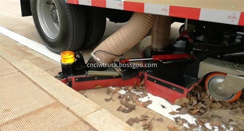 Road Sweep Truck Clean Leaves