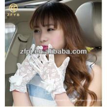 Les plus récents gants blancs à lacets courts