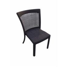 Chaise de salle à manger en plein air revêtue de rotin
