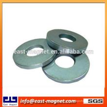 Los productos electrónicos modificados para requisitos particulares sinterizaron el imán del anillo del neodimio / el imán revestido níquel del disco para la venta