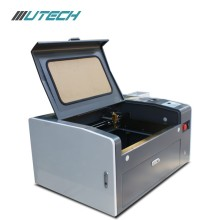 Mini 3050 CO2 lasergraveermachine voor rubber