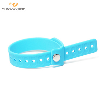 LF / HF / UHF Adjustable Silicone Pocket Wristband RFID
