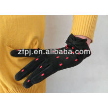 Women Wearing Pig Suede Leather Gloves