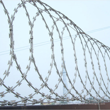 Flat Bto-22 Hot Dipped Galvanized Razor Barbed Wire