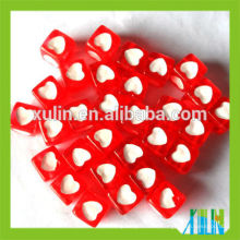 pulseras que se ajustan al cubo de acrílico con cuentas de letras similares a la parte posterior de color rojo con cuentas blancas del corazón