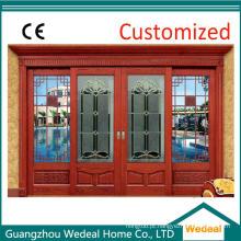 Porta de entrada da parte dianteira de vidro de madeira contínua para a casa de campo