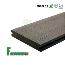 Plataforma exterior de madeira plástica do composto WPC do preço barato impermeável