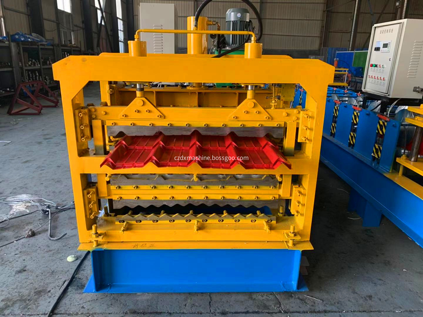three trapezoidal roll forming machine