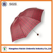 Professional usine d'alimentation de bonne qualité auto ouverts et fermés trois pli, parapluie en gros