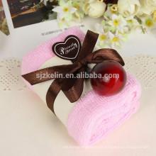 mayoristas hilado de algodón de china 21s regalo de boda torta de la toalla