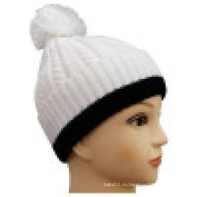 Трикотажная шапочка с контрастной отделкой NTD1615