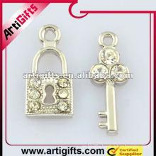 metal lock and key pendant