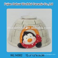 Envases cerámicos hechos a mano con tapas en forma de pingüino