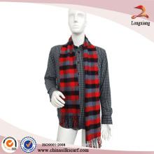 Echarpe en laine rouge brossé