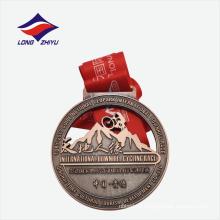 Medalla de metal plateada de bronce antiguo