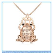 Горячий кристалл золота сбывания 18k в полых ожерелье свитера формы лягушки сплава