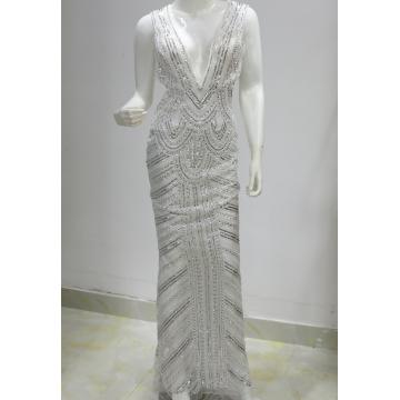 Белое серебряное свадебное платье с пайетками