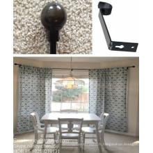 Barres de rideaux à fenêtre de drageaux de baie avec finition de boule de fer dans la salle à manger