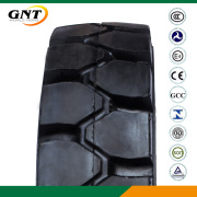 Industrial Forklift Tyre 7.00-9 Forklift Tire