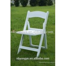 Chaise pliante en résine blanche à prix abordable de haute qualité pour une fête en plein air