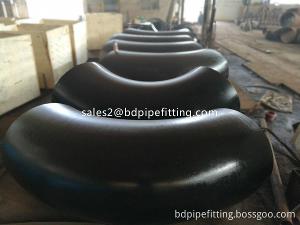 Alloy pipe fitting (553)