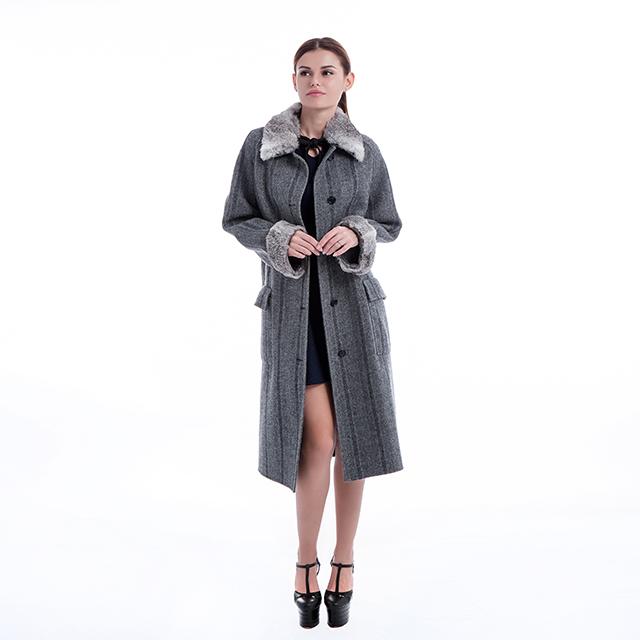 Fashionable cashmere coat