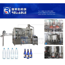 Pequeña botella que enjuaga la máquina que capsula de relleno para el agua potable