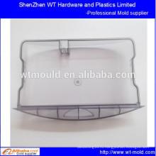 Прозрачный большой пластиковый чемодан