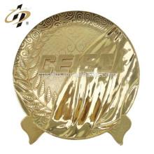 China Logotipos personalizados baratos 24 k lembrança de ouro aniversário retorno presente placa de metal logotipo