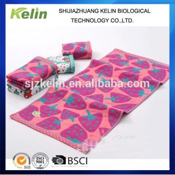 Qualitativ hochwertige süße Erdbeere Gaze Handtuch