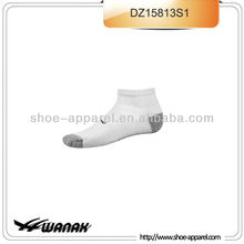 performance ankle-length mens athletic socks wholesale