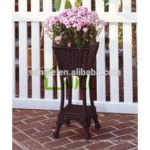 2014 latest fashion outdoor rattan balcony vase