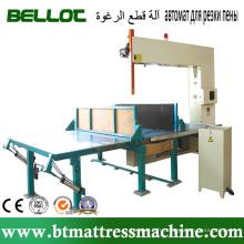 Machine de découpe de mousse verticale automatique