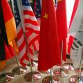 Diferentes tipos de banderas de escritorio / asta de bandera de madera y bandera de la mesa de soporte